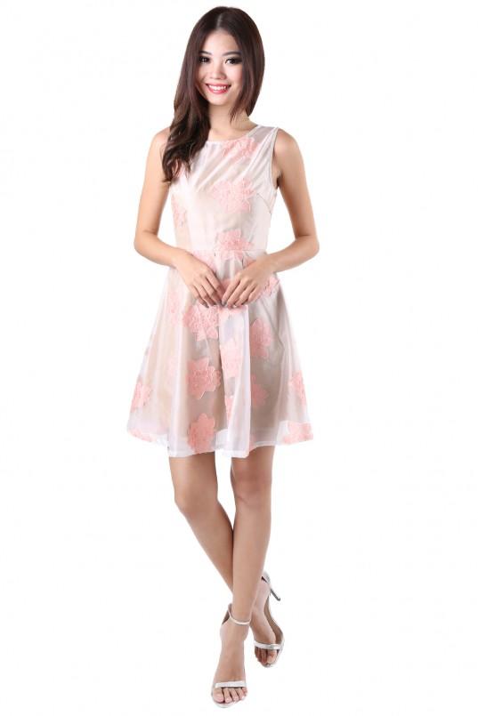659c9eef2e7 Trinket Floral Dress in Peach