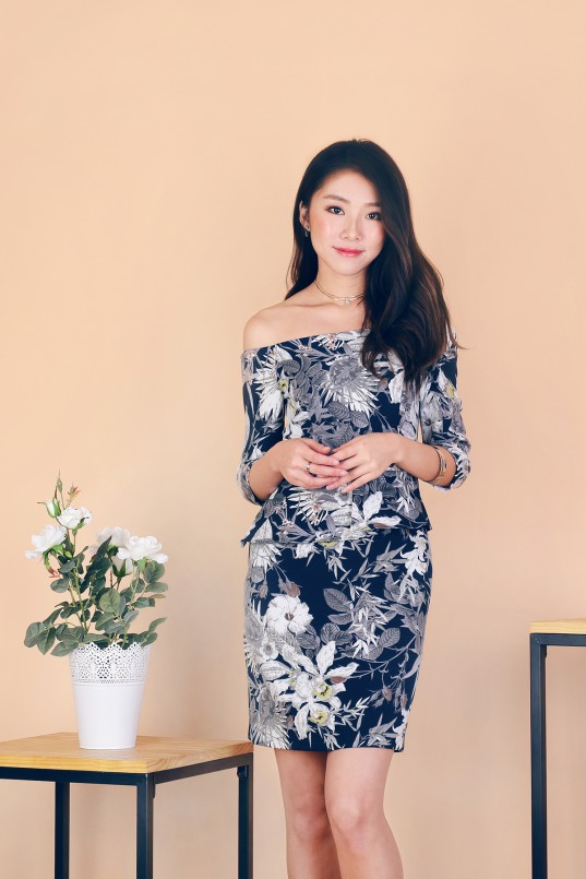 e8d2cf1a796a3 Josella Floral Dress in Navy
