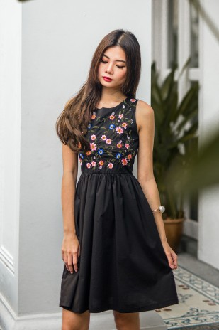3a4b556947 Rin Floral Embroidered Dress in Black