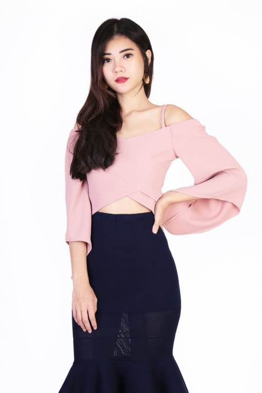 35d00fb103236f Top Of The World Top in Pink