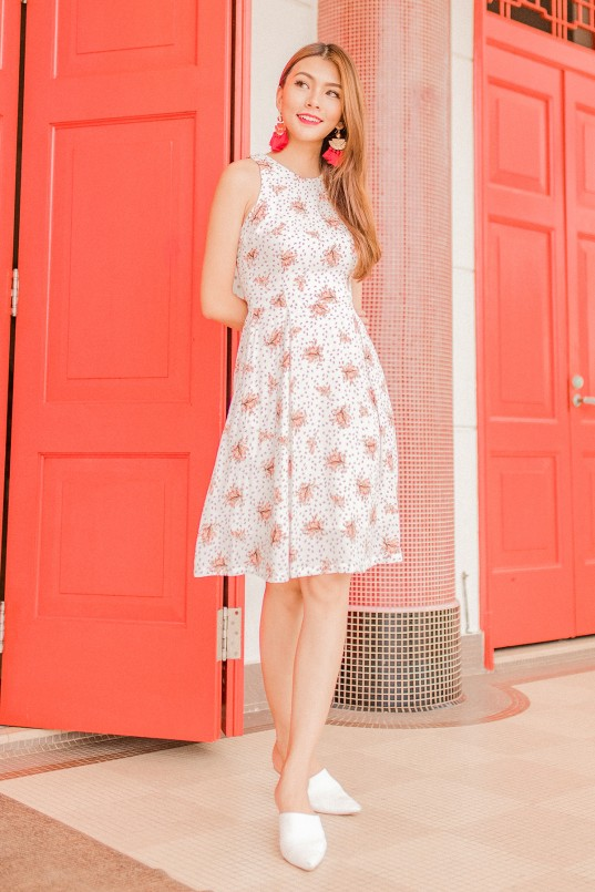 Aiden Floral Midi Dress in Print · Florals are one of the easiest way ... e7c629c56