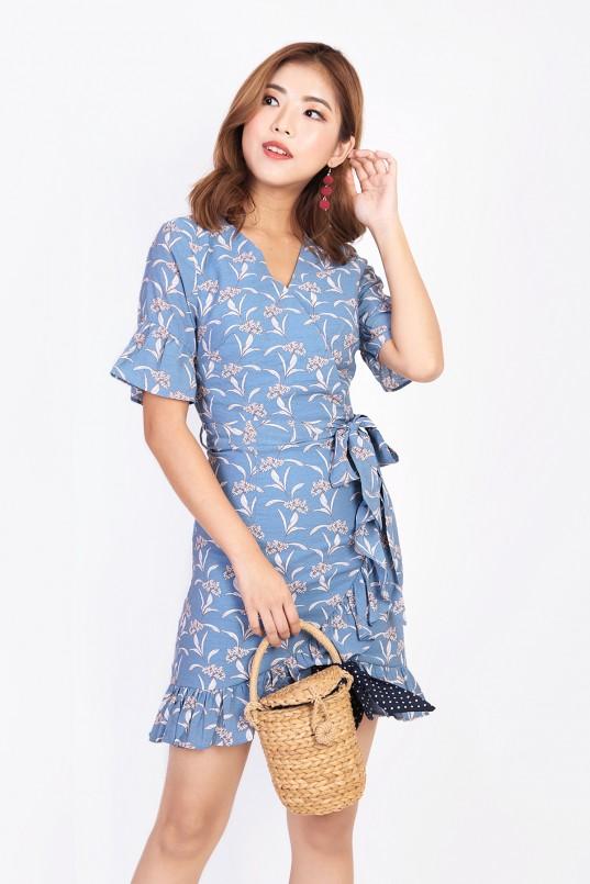 Verinda Floral Dress in Blue fd00e1cbe