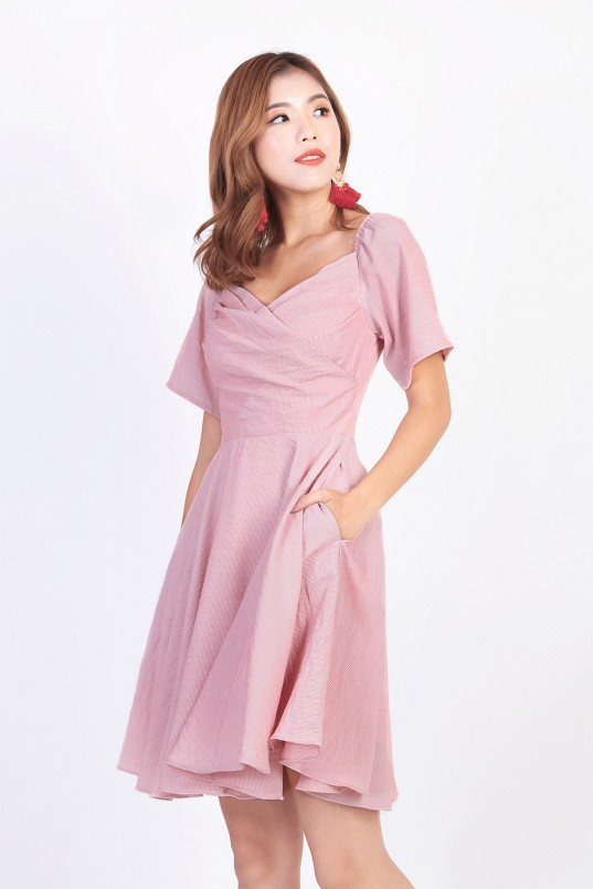 ad3d983f5e972 Abrie Off Shoulder Dress in Pink