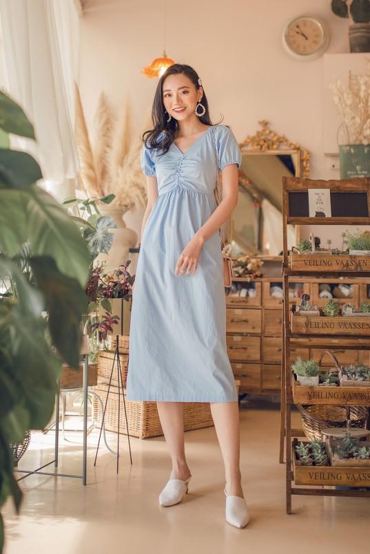 01f1f0c925eec3 Bernita Midi Dress in Sky Blue