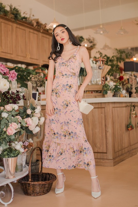 7093f6f88e0 Eveline Floral Maxi Dress in Pink