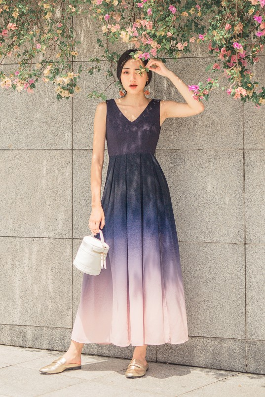 be398b282f Jazreel Ombre Maxi Dress in Navy