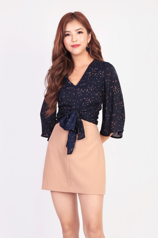 ee69b92fed Jamay Knot Top in Navy