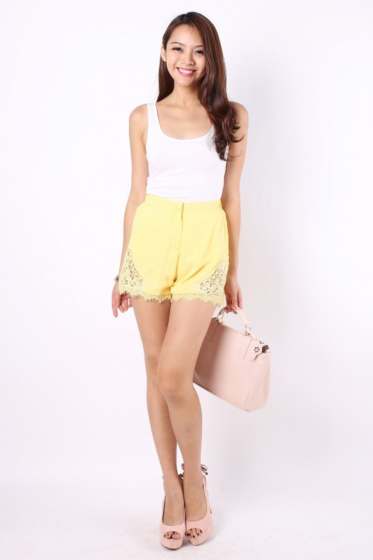 Reina Crochet Shorts in Yellow